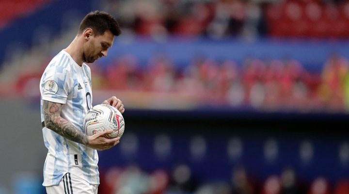 Pele'yi geride bırakan Messi'den yeni rekor
