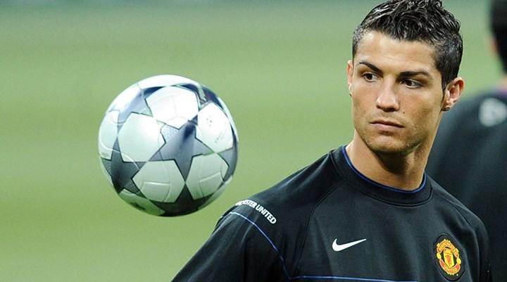 Ronaldo yeniden Manchester United'ın 7 numarası oldu